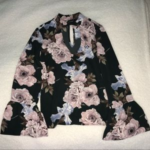 NEVER BEEN WORN Long Sleeve Blouse
